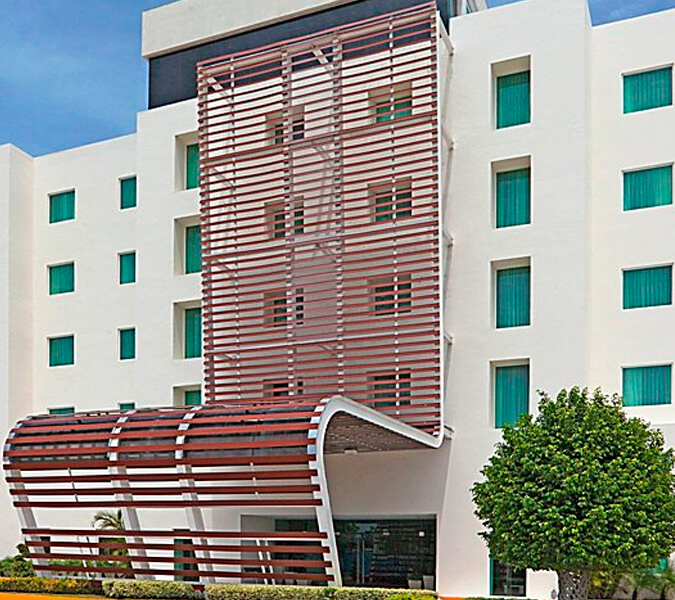 Hotel Holiday Inn Express, Ciudad del Carmen, Campeche | Shallow and Deepwater Mexico